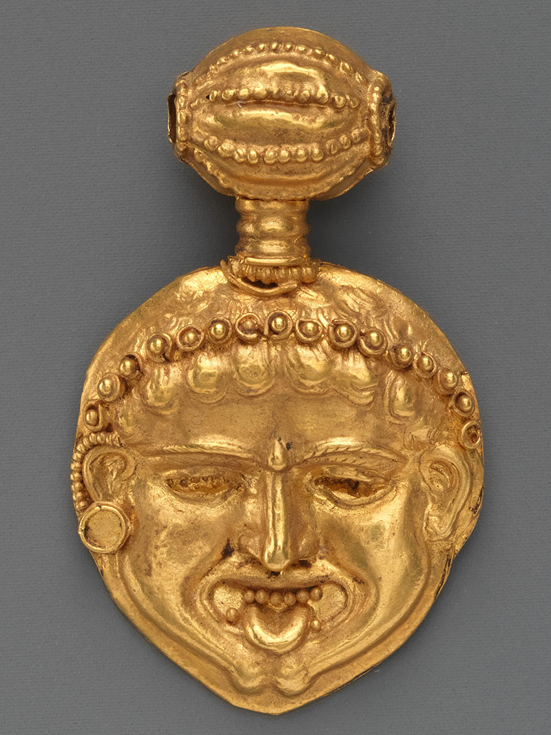 Ancient Cyprus Gorgoneion Gold pendant